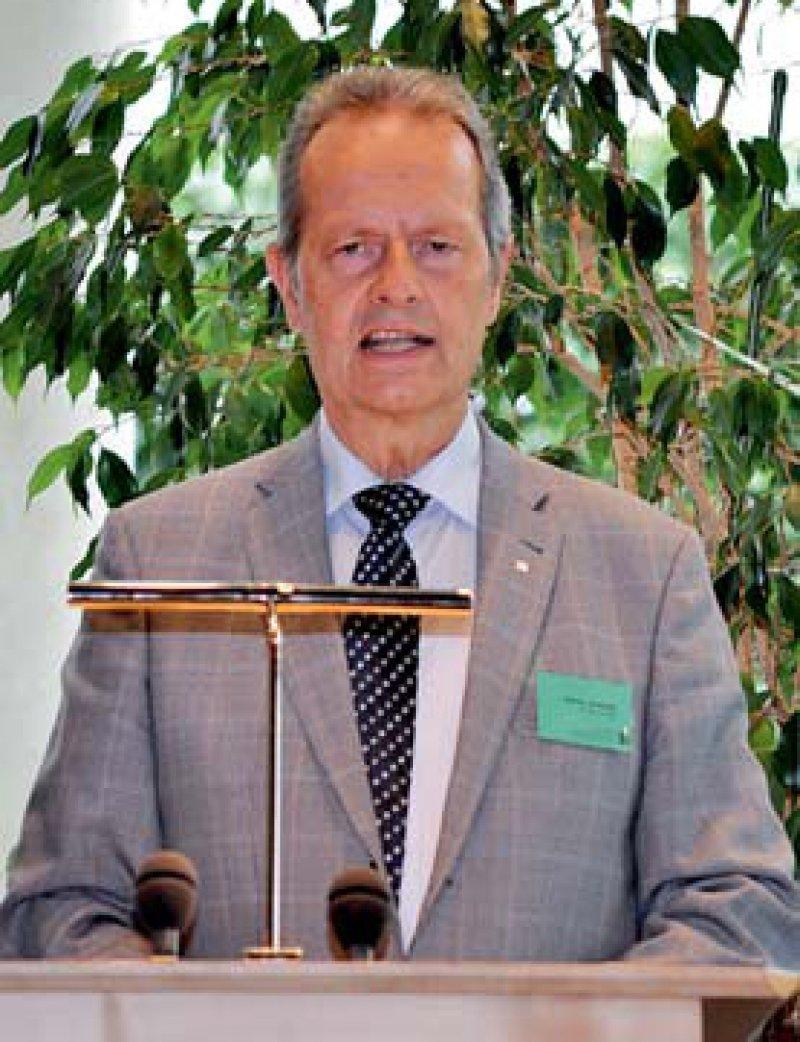 Wirbt für veränderte Zugangskriterien zum Medizinstudium: Kammerpräsident Prof. Dr. med. Jan Schulze