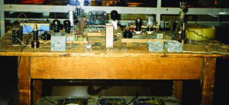 Otto Hahns Versuchsaufbau zur Atomkernspaltung Fotos: Heide B. Schneider