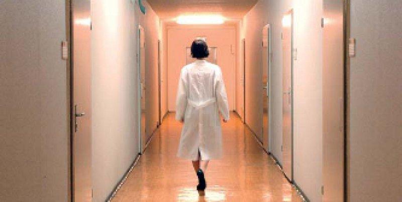 Nach dem Dienst zunächst unbezahlte Ruhezeit und danach bezahlten Freizeitausgleich: Darauf haben Ärzte keinen Anspruch. Foto: dpa