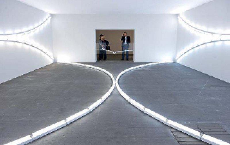 Installation – Galerie Zwirner/Dan Flavin