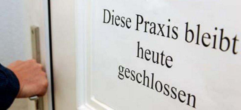 Protest gegen die Gesundheitsreform: Beginnen sollen die Hausärztestreiks in Bayern. Foto: picture alliance