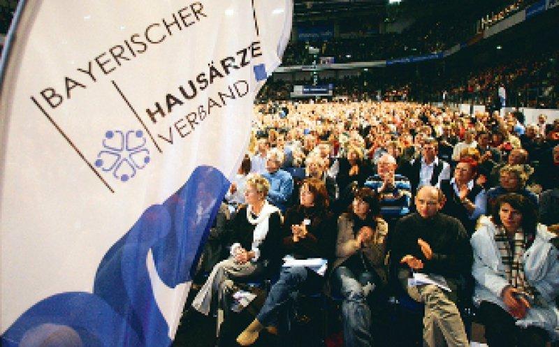 Systemausstieg am 22. Dezember? Der Hausärzteverband lädt in die Nürnberger Arena ein. Foto: ddp