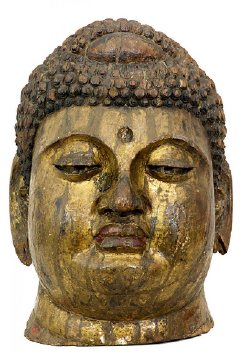 Kulturtransfer: Buddha aus Marburg, ursprünglich China, 10./13. Jahrhundert. Foto: Christoph Triplett/dhmd