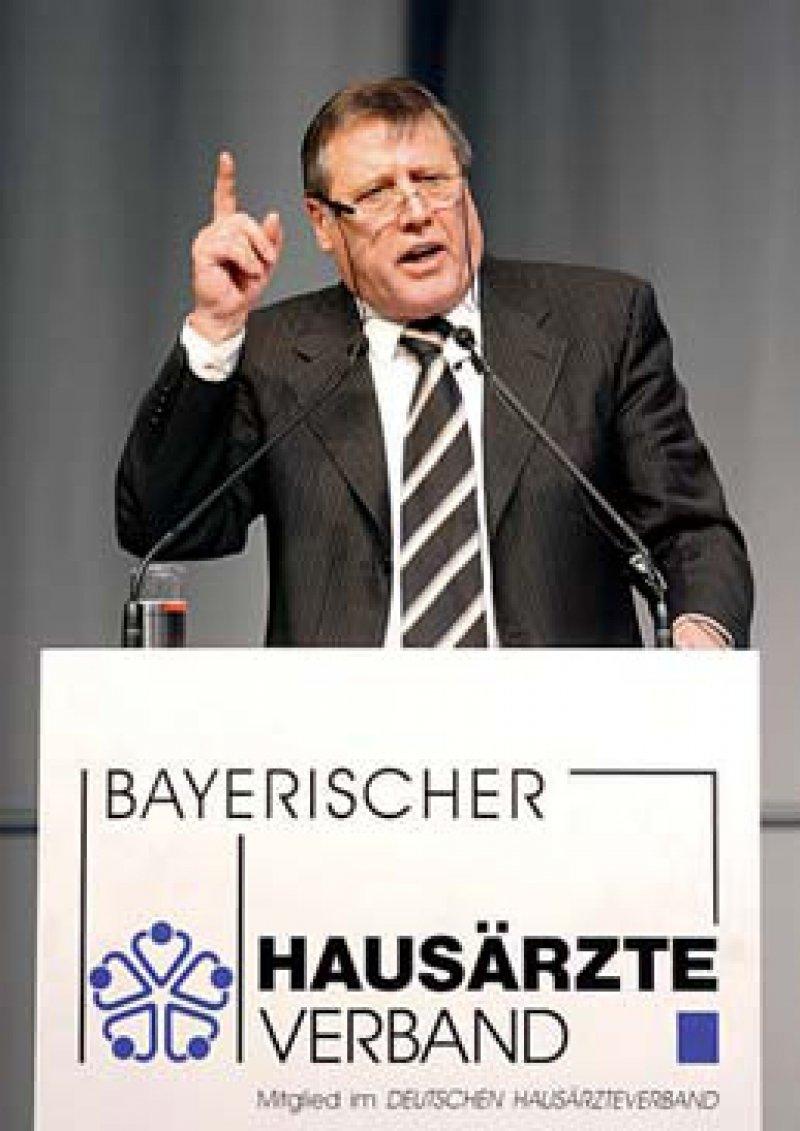 Den Bogen überspannt? BHÄV-Vorsitzender Wolfgang Hoppenthaller hat den Rückhalt bei Kassen und Politik offenbar verloren. Foto: ddp