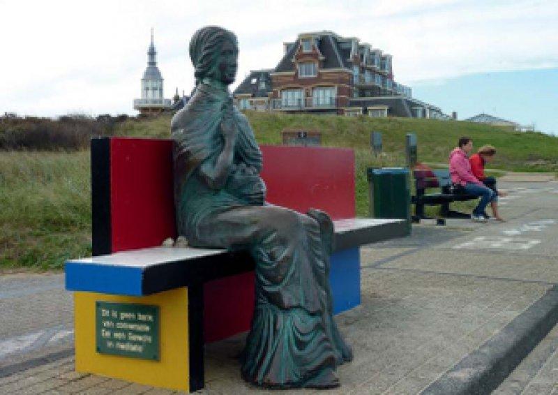 Beschützerin der Seefahrer: Ein Platz ist immer einladend frei neben der germanischen Göttin Nehalennia.