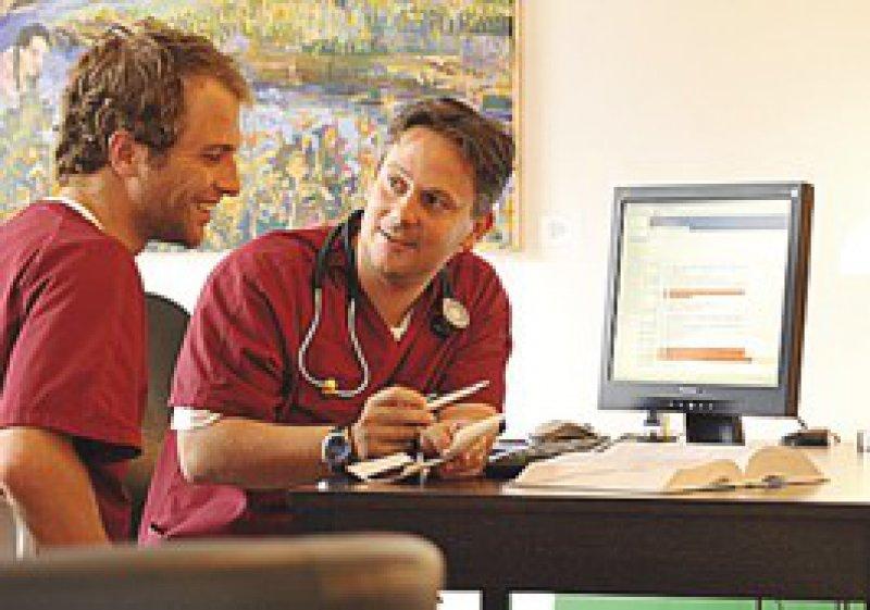 """""""Meist gibt es ein Zeitfenster pro Patient von sechs bis zehn Minuten. Das hatte ich so nicht erwartet."""" Felix Dietrich-Bethge"""
