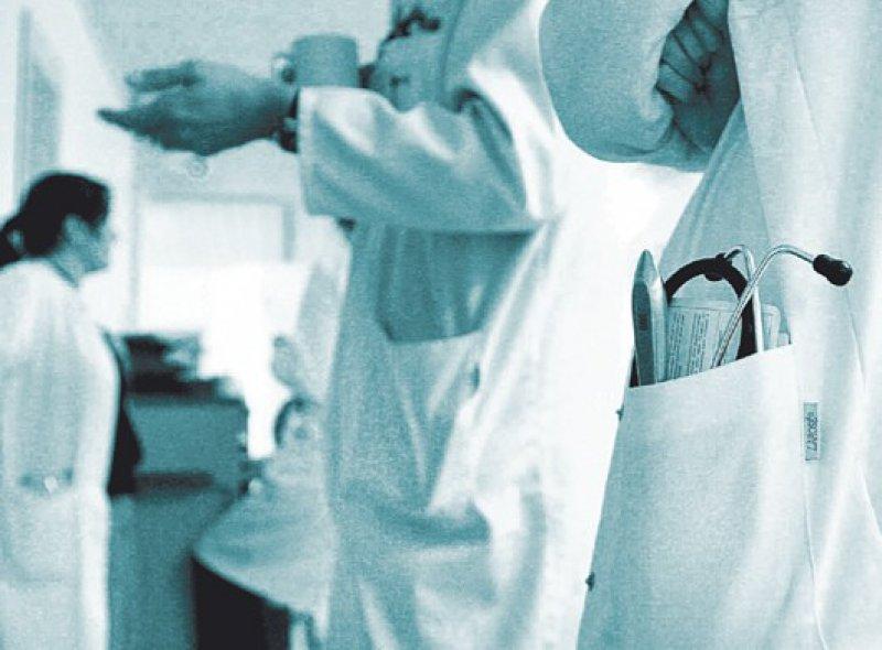Sollte im PJ nicht zugunsten der Allgemeinmedizin eingeschränkt werden: das Lernen auf Station. Foto: ddp