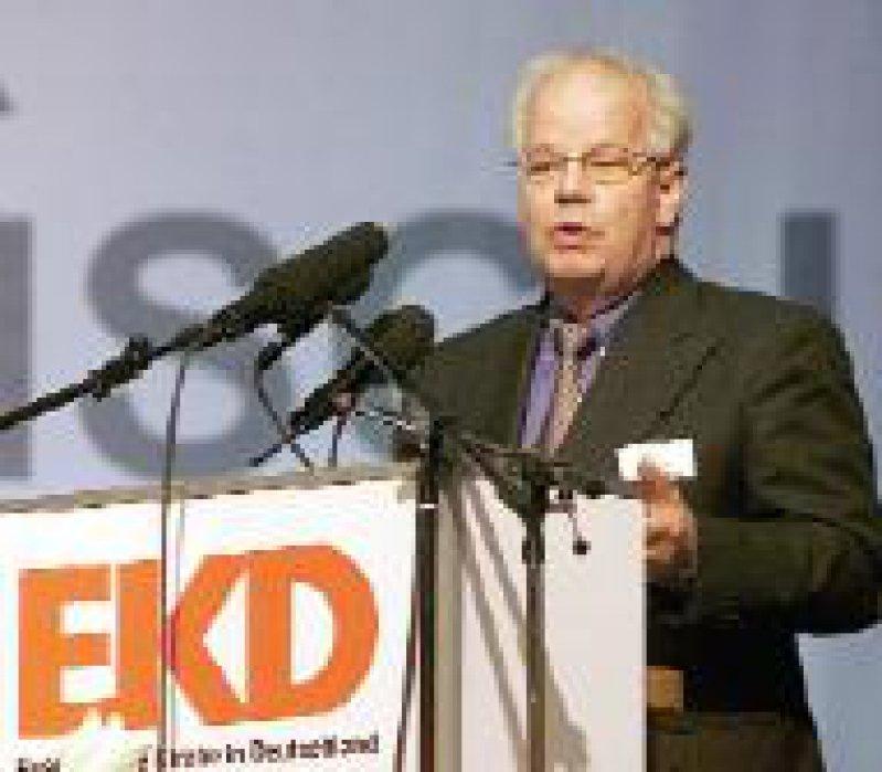 Wilfried Härle sprach sich für den Schutz des beginnenden Lebens von der Befruchtung an aus. Foto: epd-bild