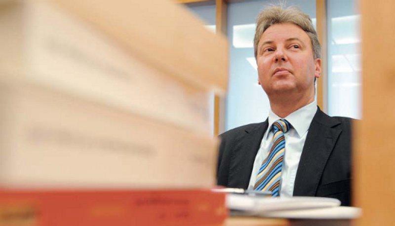 Für nicht nachvollziehbar hält Oliver Brüstle das Urteil des EuGH. Mehr als 100 Patente in Europa würden dadurch jetzt ebenfalls angreifbar und praktisch unwirksam. Foto: dpa