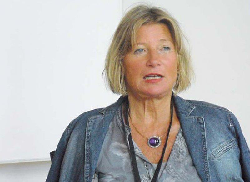 Prof. Dr. med. Annette Streeck-Fischer ist Chefärztin der Abteilung Psychiatrie und Psychotherapie von Kindern und Jugendlichen am Akademischen Lehrkrankenhaus Asklepios Fachklinikum Tiefenbrunn. Sie ist Fachärztin für Kinder- und Jugendpsychiatrie sowie für Psychotherapeutische Medizin und Lehranalytikerin am Lou-Andreas-Salomé-Institut in Göttingen. Streeck-Fischer arbeitet unter anderem als Hochschullehrerin an der International Psychoanalytic University in Berlin und ist seit 2011 Präsidentin der ISAPP. Foto: PP