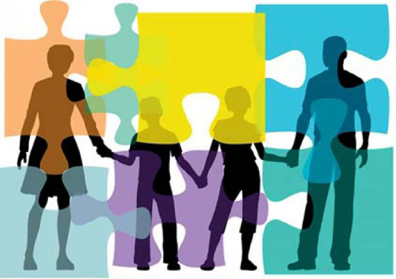 Gerade bei Kindern ist es wichtig, die Familie und das Umfeld in die Therapie miteinzubeziehen. Foto: Fotolia
