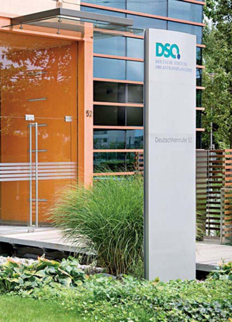 Hauptverwaltung der DSO in Frankfurt am Main. Sie ist zusammen mit den Regionen, in denen die Organspende koordiniert wird, vor kurzem für ihr Qualitätsmanagement nach DIN EN ISO rezertifiziert worden. Foto: DSO
