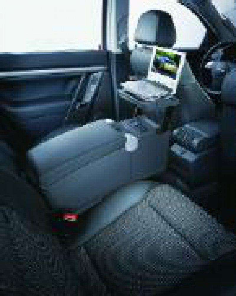 Die hinteren Sitzplätze können so eingerichtet werden, dass der Signum zum mobilen Büro wird.