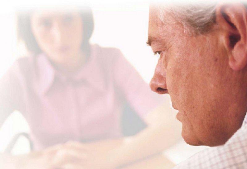 Nur sehr wenige Männer höheren Alters begeben sich in eine Psychotherapie. Foto: picture alliance