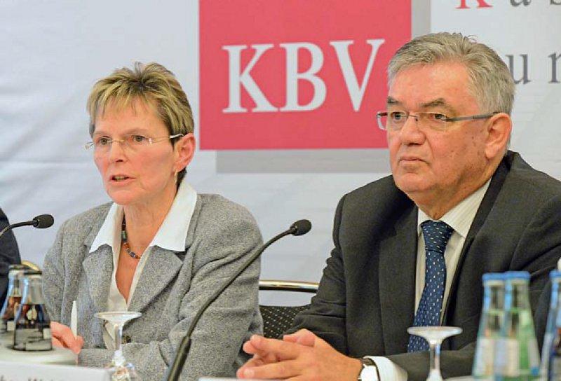 """""""Das operative Geschäft läuft"""", betonten Regina Feldmann und Hans-Jochen Weidhaas. Daran änderten auch Probleme nichts, die es derzeit im Bereich Haushalt und Finanzen gebe."""
