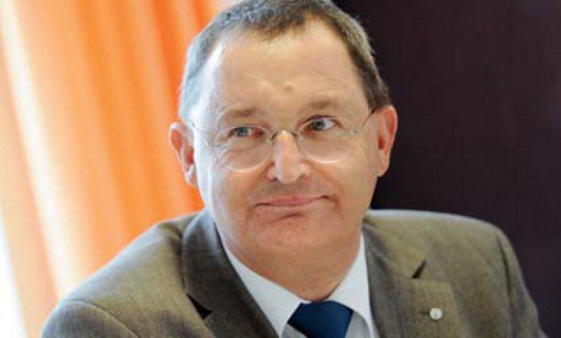 Günther Jonitz fordert eine neue Politikkultur im Umgang mit Patientensicherheit. Der Chirurg setzt sich seit vielen Jahren erfolgreich für das Thema ein. Foto: dpa