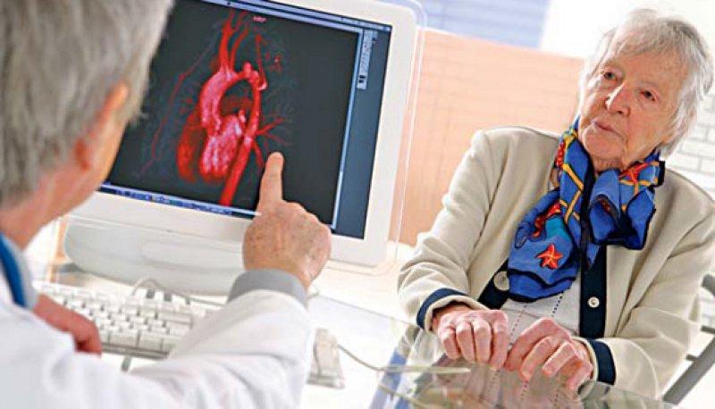 Frauen mit Herzinsuffizienz werden seltener leitliniengerecht therapiert, legen Studien nahe. Doch dafür kann es gute Gründe geben. Foto: picture allianze
