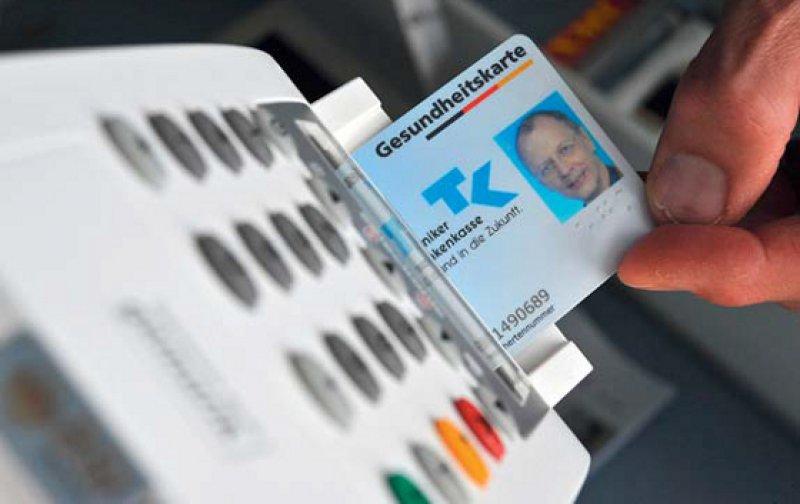 Eigene Themen-Website für die eGK: Unter www.kbv.de/html/egk.php informiert die Kassenärztliche Bundesvereinigung über die Rechtslage. Foto: dpa
