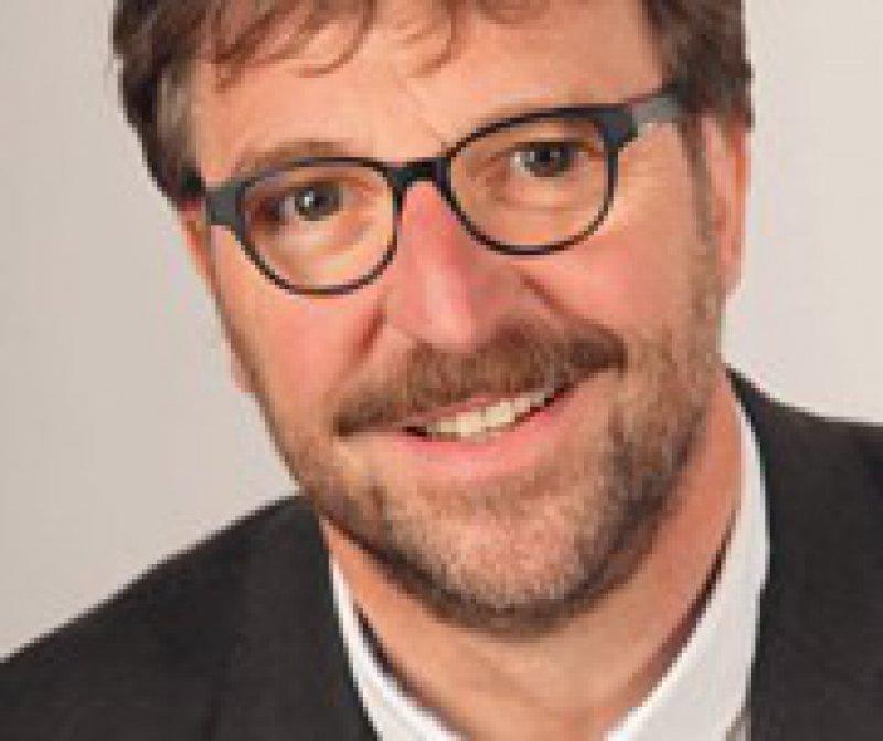 Werner Singer, stellvertretender Vorsitzender der Vereinigung Analytischer Kinder- und Jugendlichenpsychotherapeuten e. V. (VAKJP)