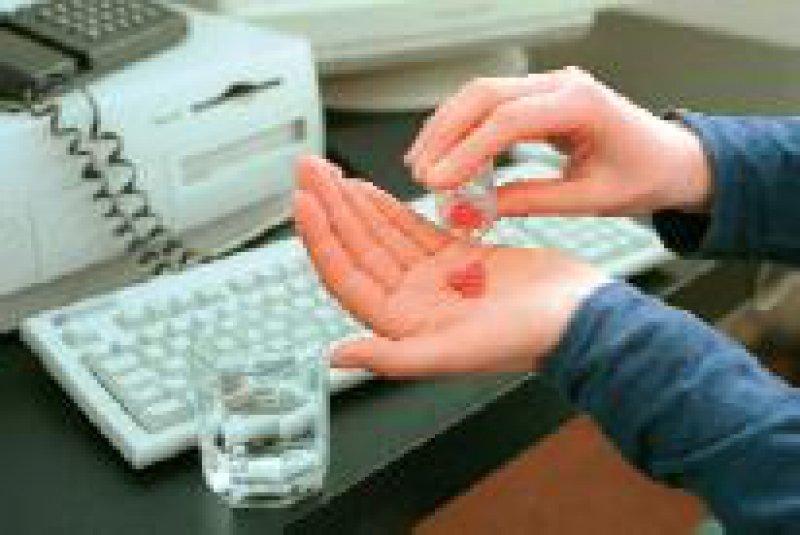 Rund 1,4 Millionen Menschen in Deutschland sind abhängig von Medikamenten. Foto: phalanx