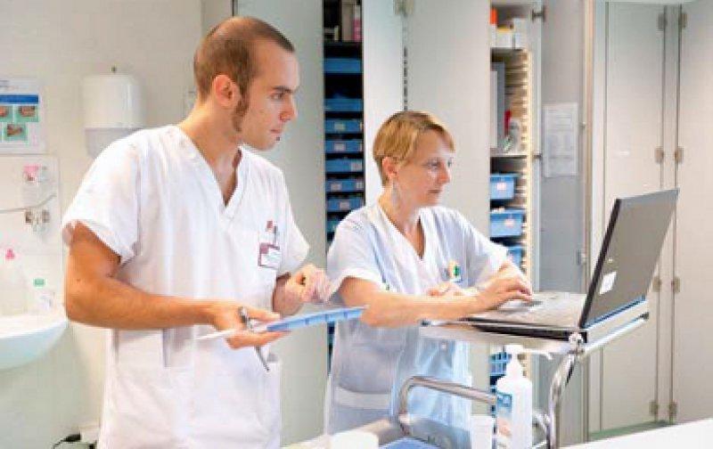 Eine Aufwertung des Berufs versprechen sich viele Pflegekräfte von einer Verkammerung. Foto: Your Photo Today
