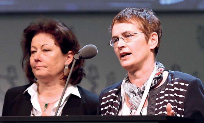 Gemeinsame Vorstellung der Pläne zur Neuorganisation der BÄK-Gremien: Heidrun Gitter und Simone Heinemann-Meerz, die Kammerpräsidentinnen von Bremen und Sachsen Anhalt
