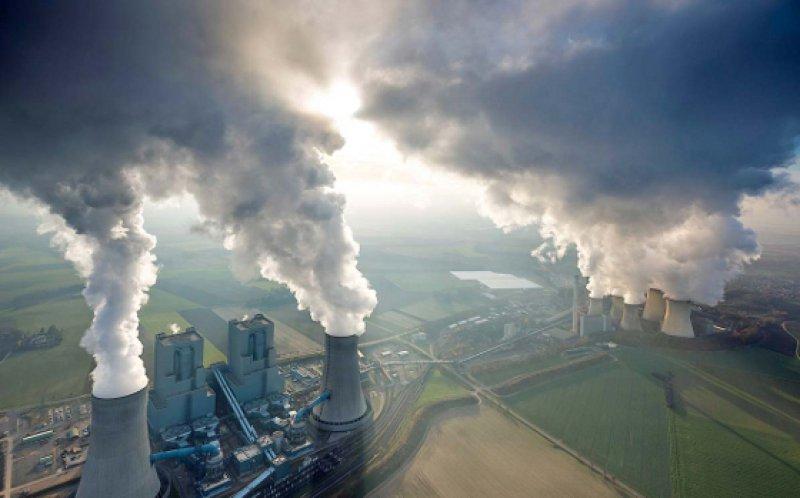 """Der G7-Gipfel in Elmau hat sich in seinem Abschlussbericht für den Ausstieg aus der Kohleverstromung ausgesprochen: """" . . . betonen wir, dass tiefe Einschnitte bei den weltweiten Treibhausgasemissionen erforderlich sind, einhergehend mit einer Dekarbonisierung der Weltwirtschaft."""" Foto: Picture alliance"""