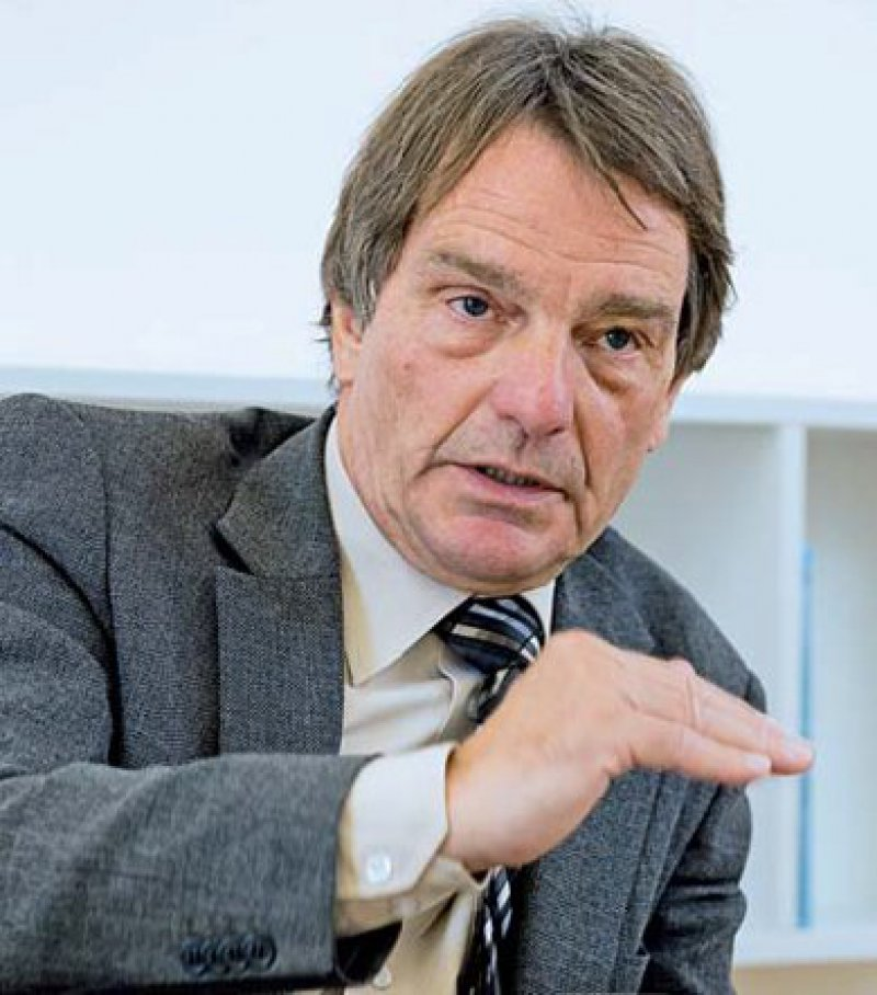 Dr. Dietrich Munz (63) ist Abteilungsleiter an der psychosomatisch orientierten Sonnenberg-Klinik in Stuttgart. Er ist zugleich Präsident der Landespsychotherapeutenkammer Baden-Württemberg.