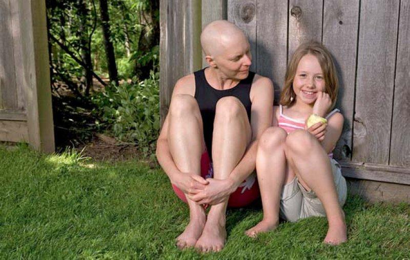 Erkrankt die Mutter an Krebs sind die Kinder besonders betroffen. (Foto: iStockphoto)