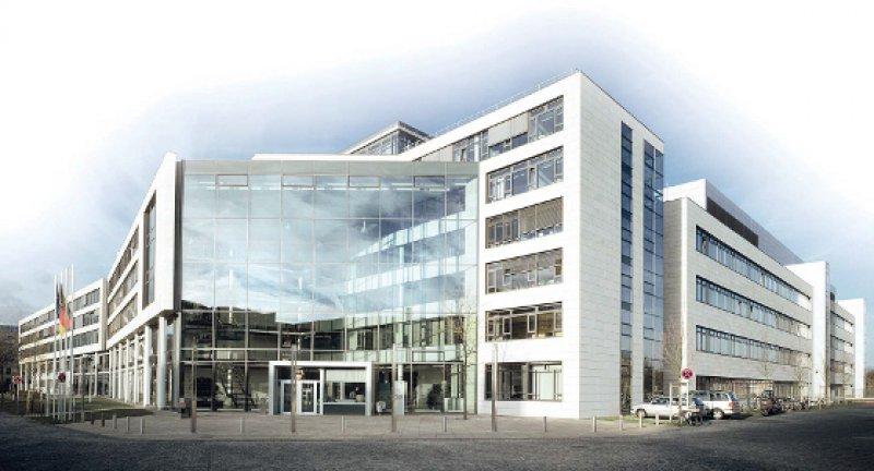 Dienstsitz Bonn: Das Bundesinstitut für Arzneimittel und Medizinprodukte zog 2001 von Berlin an den Rhein. Das war als Ausgleich für den Regierungsumzug gedacht. Foto: BfArM/Frank Rümmele