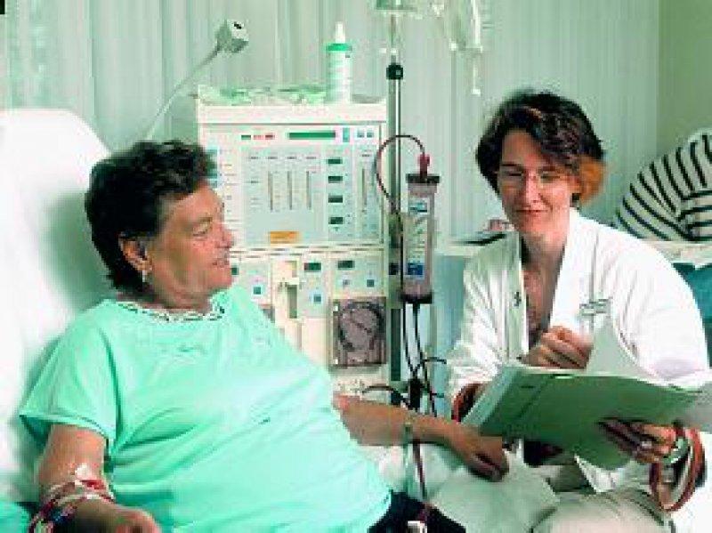 Ärzte müssen in der Lage sein, Gespräche so zu führen, dass sie es trotz der Kürze der Zeit erlauben, sinnvolle Behandlungsschritte zu planen und ein stabiles Behandlungsbündnis zu etablieren. Foto: Peter Wirtz