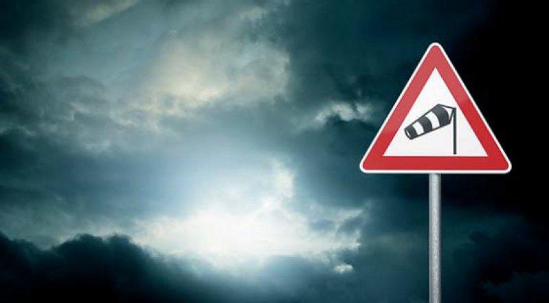 NINA-Nutzer können sich Warnmeldungen beispielsweise für ihren aktuellen Standort anzeigen lassen. Foto: Fotolia/trendobjects