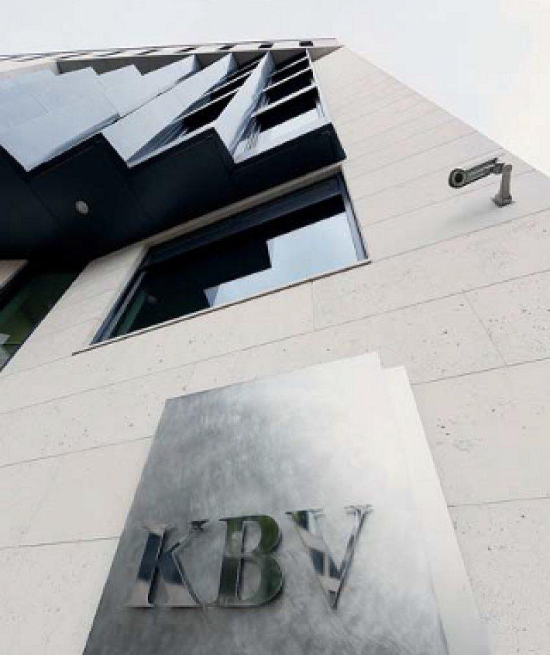 Hinter der Fassade der KBV ringen Haus- und Fachärzte um einen fairen Interessenausgleich. Foto: Georg J. Lopata