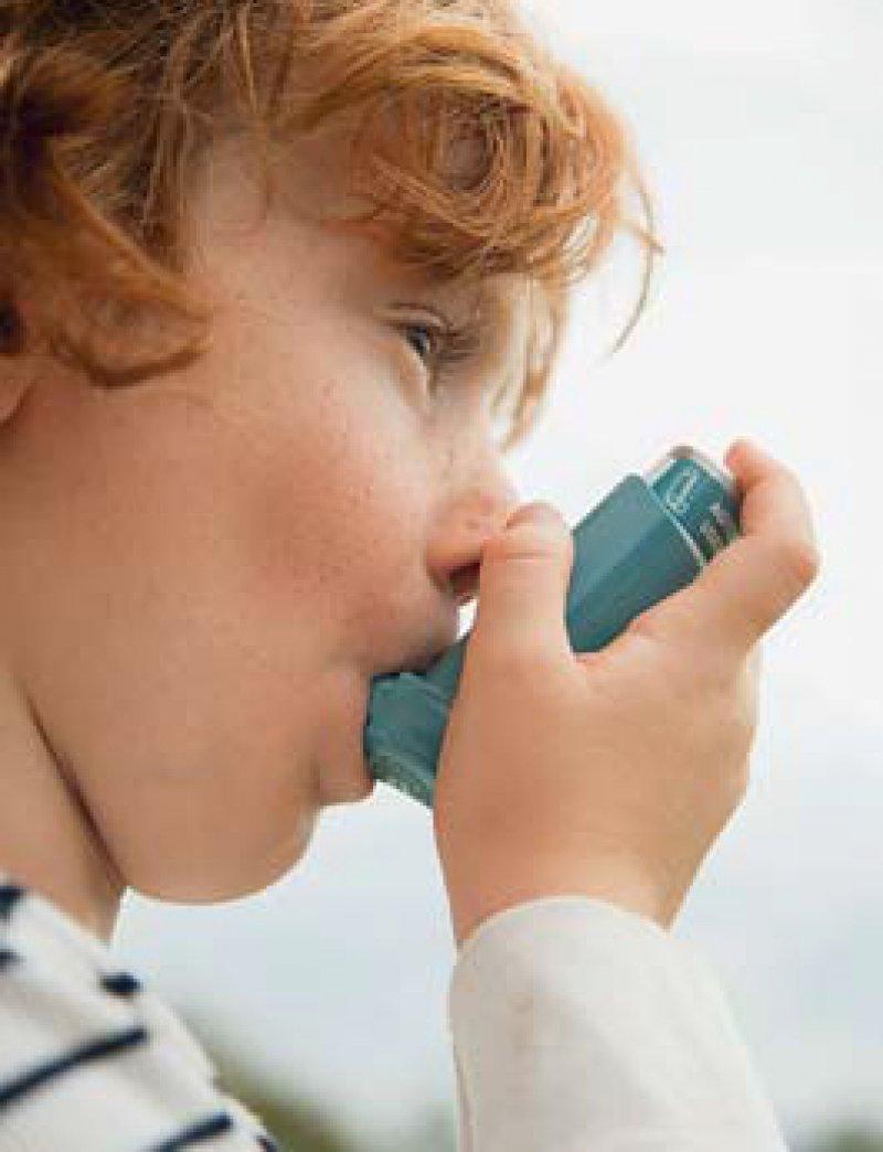 Inhalationsgeräte sind nicht immer einfach zu bedienen. Foto: picture alliance