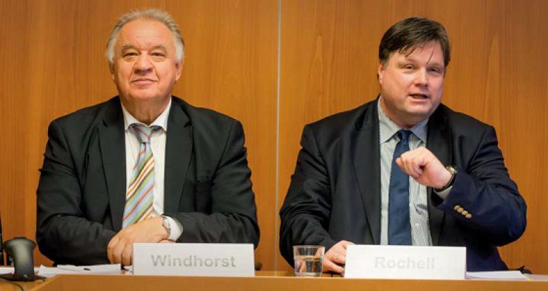 Zuversichtlich: Die Verhandlungsführer der BÄK Theodor Windhorst (li) und Bernhard Rochell. Foto: Georg J. Lopata