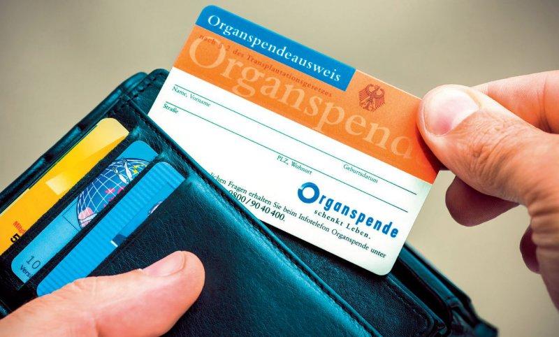 Vertrauen zurückgewinnen: Nach dem Transplantationsskandal sank die Bereitschaft zur Organspende. Foto: Fotolia/Alexander Raths