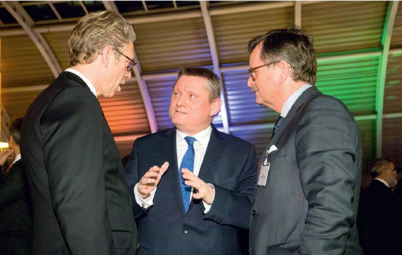 Konstruktiver Austausch: KBV-Chef Andreas Gassen, Minister Hermann Gröhe und BÄK-Präsident Frank Ulrich Montgomery (von links). Foto: Georg J. Lopata