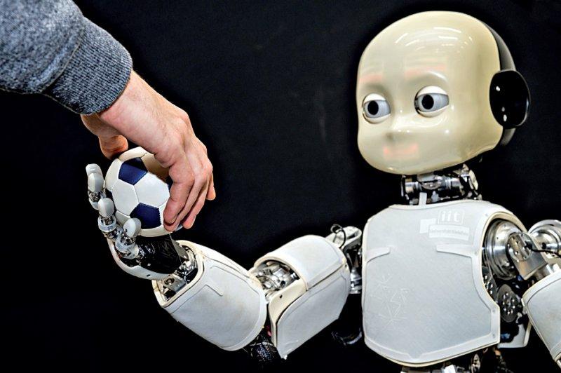 """Humanoider Roboter: Wie gehen wir mit """"lernfähigen"""" Systemen um, die zunehmend in der Lage sind, Entscheidungen autonom zu treffen? Foto: Daimler und Benz Stiftung/Oestergaard"""
