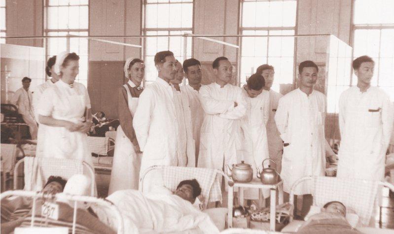 Beachtliche Bilanz: Im DRK-Hospital in Busan wurden zwischen 1954 und 1959 rund 250 000 Patienten behandelt, meist arme und schwer kranke. Fotos: medienarchiv.com