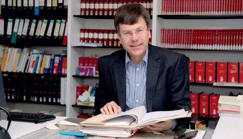 Kein Kommentar zu den laufenden Verfahren am BSG. Ulrich Wenner (59) wurde im Juli 1995 zum Richter am Bundessozialgericht ernannt. Seit Juli 2008 leitet er den 6. Senat, der sich mit dem Vertragsarztrecht befasst. Foto: Jan Haas für Deutsches Ärzteblatt