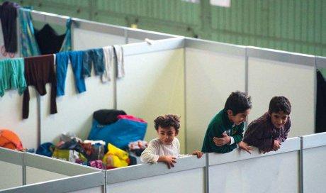 Flüchtlingskinder im Flughafen Tempelhof