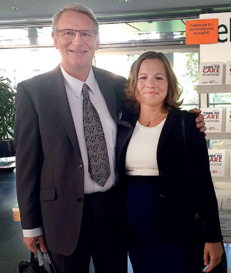 Robin Youngso mit Marie Downar