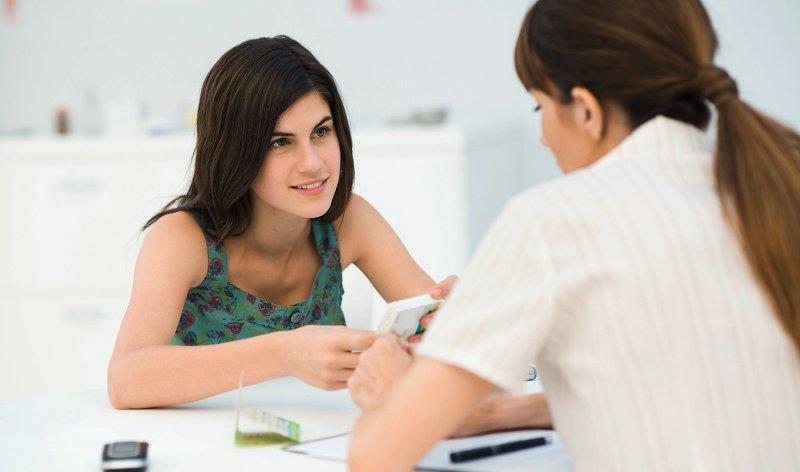 In Deutschland bieten Tausende von Frauenarztpraxen eine spezielle Mädchensprechstunde an, auch als Prävention gegen ungewollte Schwangerschaften. Foto: picture alliance