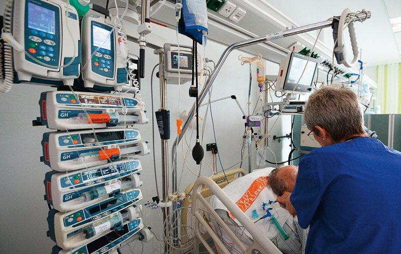 Die Intensivstationen zählen zu den pflegesensitiven Bereichen, für die künftig Personaluntergrenzen festgelegt werden sollen. Foto: dpa