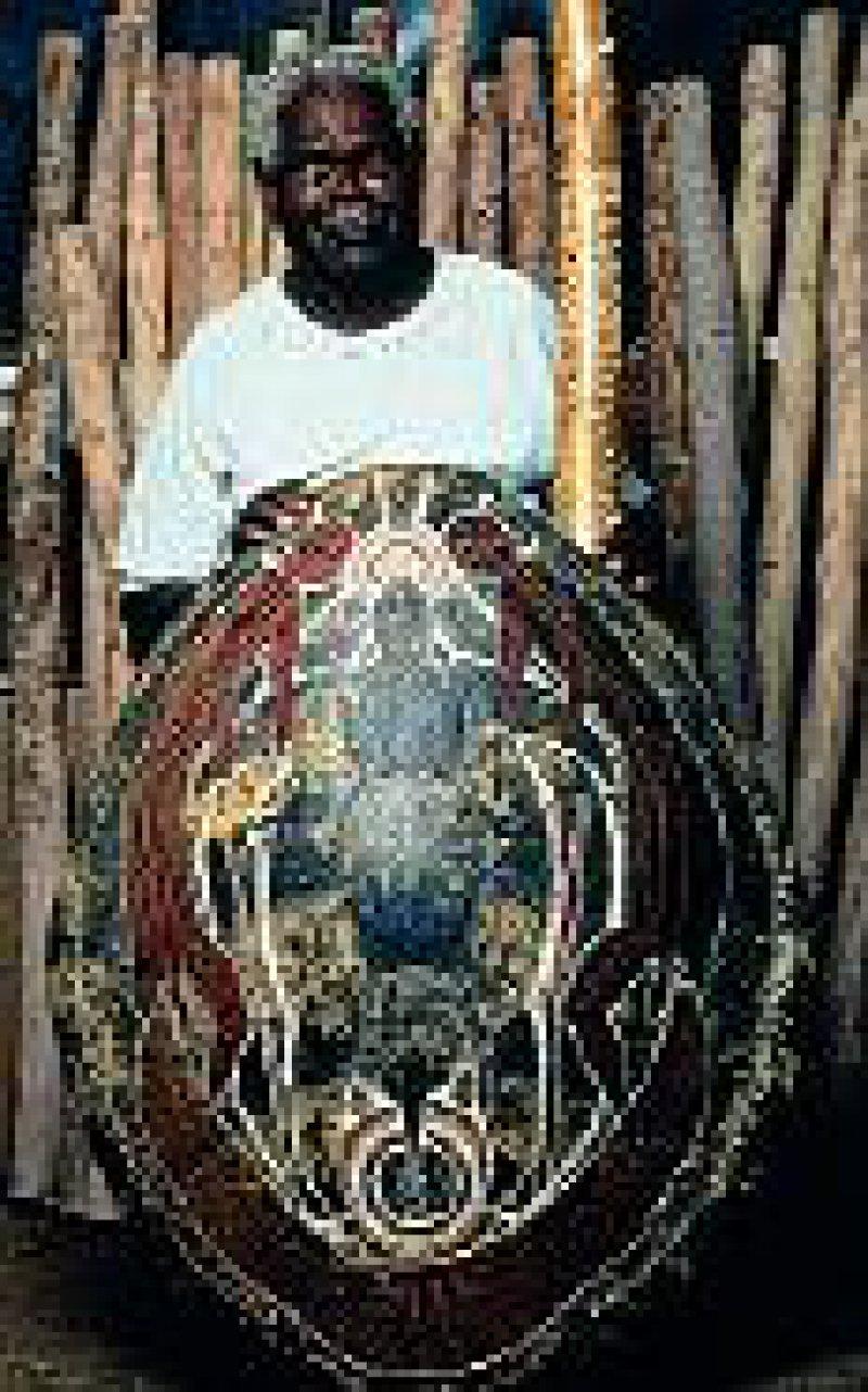 Aboriginal Artist. Fotos: Australian Tourist Commission