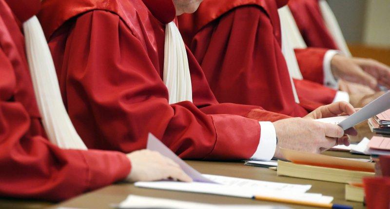 Erste Verfassungsbeschwerden gegen Sterbehilfeverbot vom Bundesverfassungsgericht abgewiesen