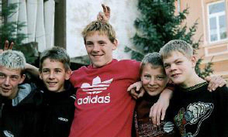 In der Stiftung Evangelische Jugendhilfe St. Johannis in Bernburg lernen die Jungen wieder lachen. Foto: Petra Bühring