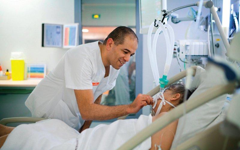 Mehr Pflegekräfte am Krankenbett will die Bundesregierung in der kommenden Legislaturperiode schaffen. Foto: your photo today