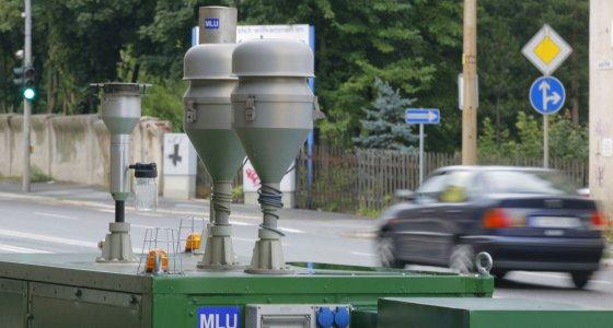 Chemitz, 15.08.06 JE - Messstation, Messung der Luftverschmutzung durch Strassenverkehr. Air Monitoring Station /dpa